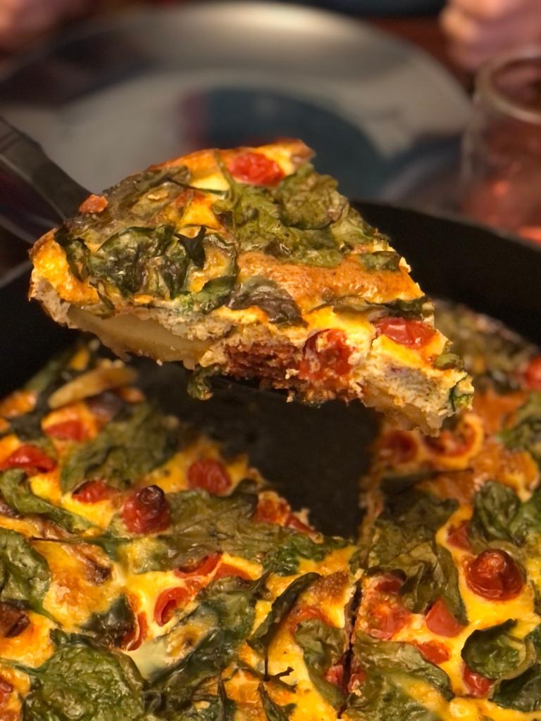 Spis din frittata som et lækkert aftensmåltid,  eller server den som hovedattraktion på frokostbordet