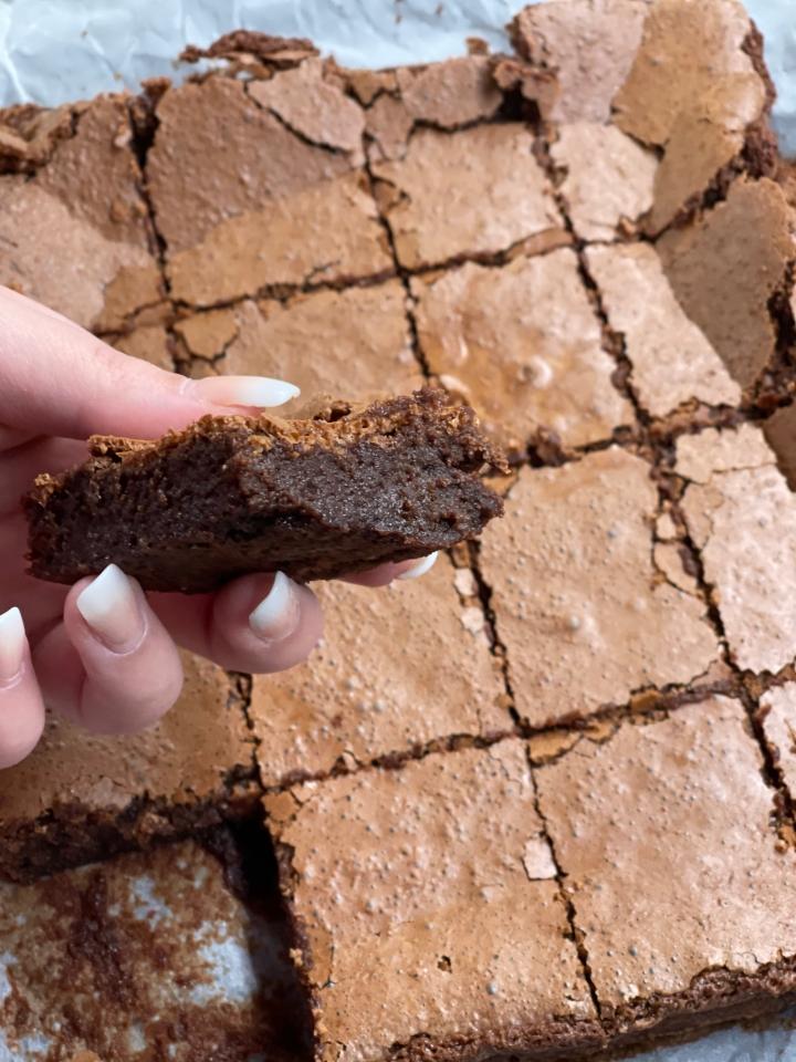 Svampet glutenfri brownie med kun 4ingredienser