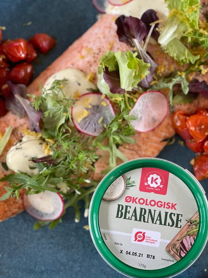 Bagt laks med hasselback-style butternut squash og syrligbearnaise
